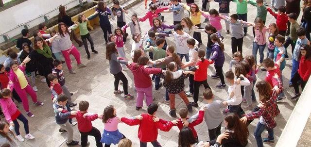 Τσικνοπέμπτη: \Χορέψετε-χορέψετε, τα νιάτα να χαρείτε!!!!\