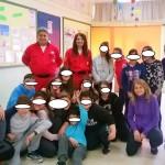 Μαθητές του σχολείου μας με τους εθελοντές του Ερυθρού Σταυρού στην παράδοση των σάκων με τα πλαστικά καπάκια !!!